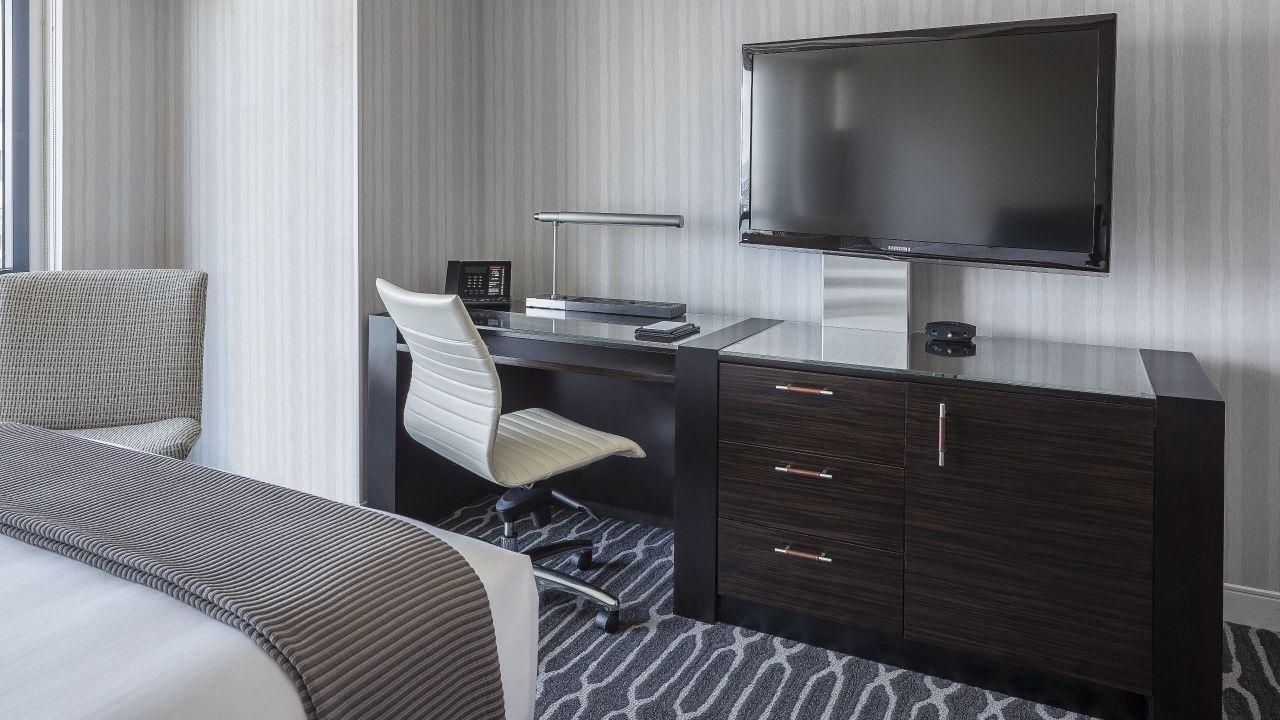 Spacious San Diego Suites Near Seaport Village