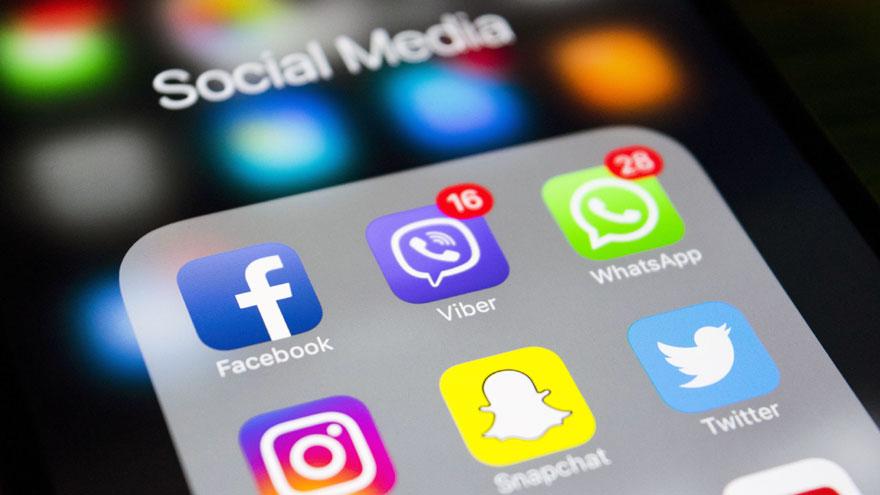 Tener muchos seguidores en redes sociales no suele ser una habilidad para incluir en el CV