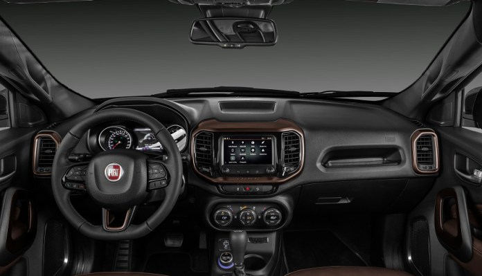 Fiat Toro, con renovado interior.