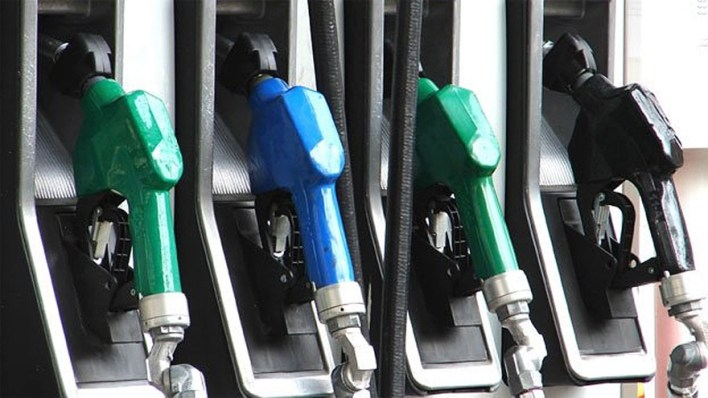 El litro de nafta súper pasará a cotizar por encima de los 60 pesos.