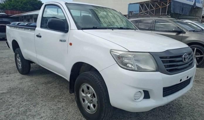 Una de las Toyota Hilux que será rematada.