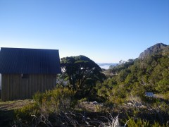 02 Tor hut-s
