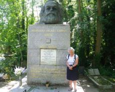 wpid-Highgate-Cemetry-Marx.jpg