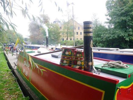 wpid-Ricksmanworth-gravel-lakes-canal-boat.jpg
