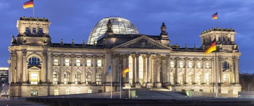 Der Reichstag: Abgeordnete genießen im Ausland diplomatische Immunität Foto: picture alliance