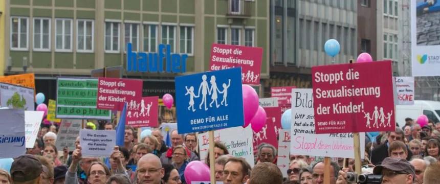 Demonstration gegen den Bildungsplan der grün-roten Landesregierung von Baden-Württemberg in Stuttgart Foto:  picture alliance/Geisler-Fotopress