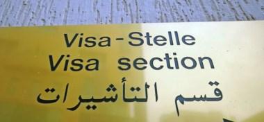 Visa-Hinweisschild in der deutschen Botschaft in Tripolis, Libyen Foto: picture alliance / ZB