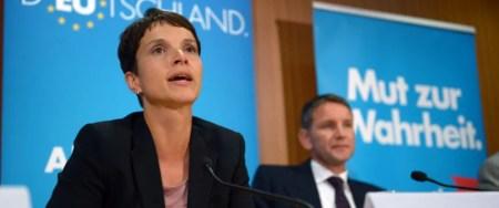 AfD-Chefin Petry und Björn Höcke (2014): Kritik an Auftritt Foto: dpa
