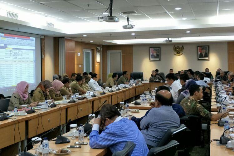 Rapat Badan Anggaran di Gedung DPRD DKI Jakarta, Selasa (14/11/2017).