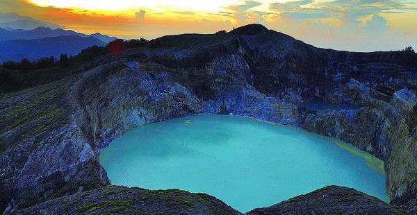Gunung dan Danau Kelimutu - Galery ilmiah