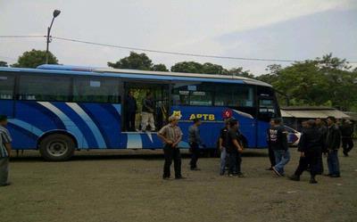 Tiba di Bubulak, Bus APTB Dihadang Ormas