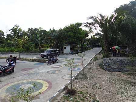 Area Parkir dan Jalan Masuk (Dokpri)