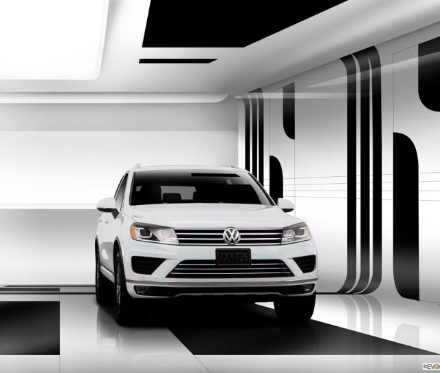 Exterior View Of  Volkswagen Touareg In Newport News