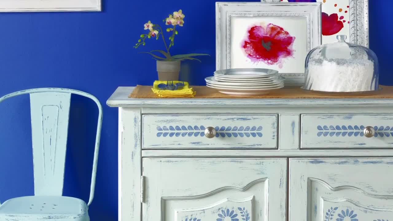 Video: Vintage Decor Paint With Martha Stewart