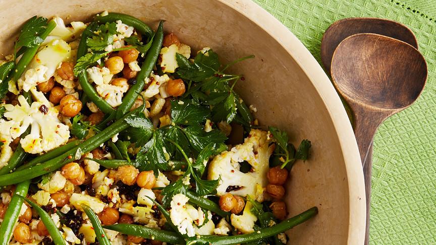 Cauliflower Salad With Roasted Chickpeas
