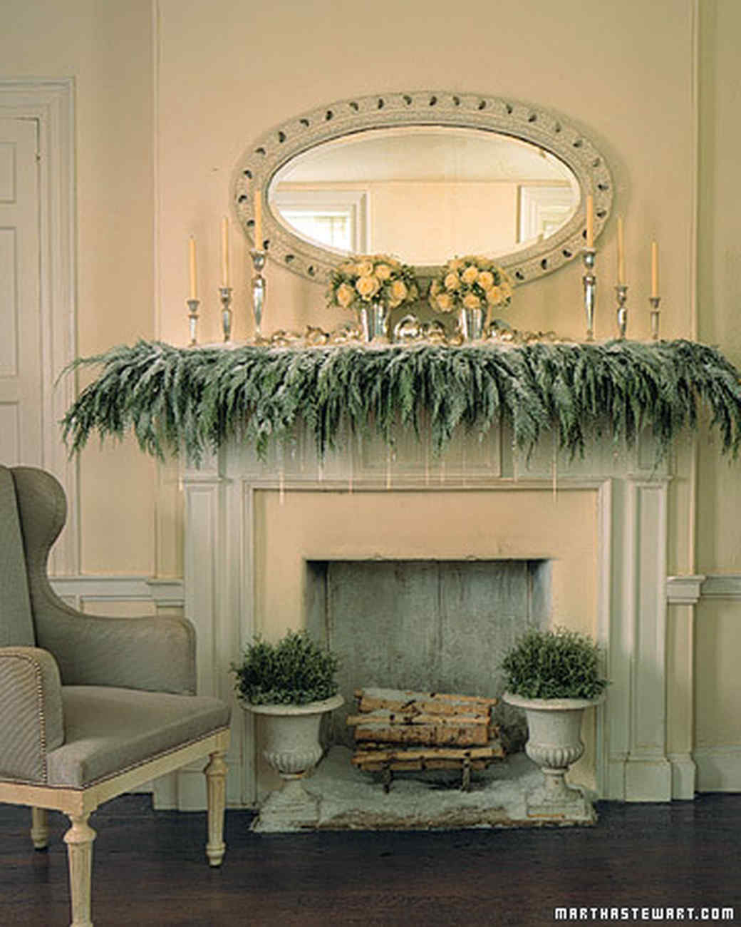Christmas Decorating Ideas   Martha Stewart Gentle Drift Mantel Decoration