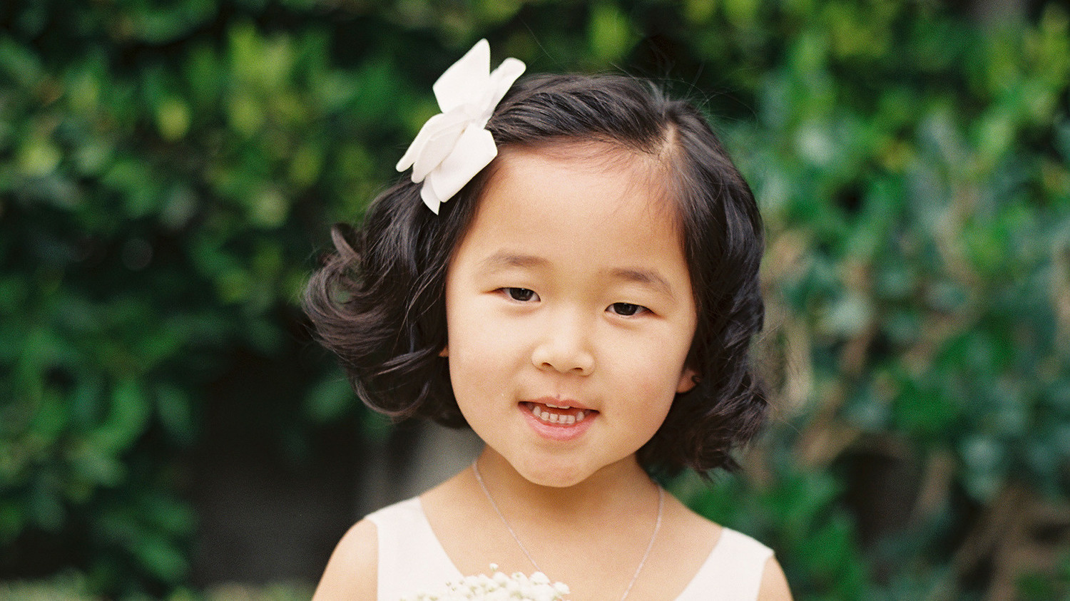 Adorable Hairstyle Ideas For Your Flower Girls