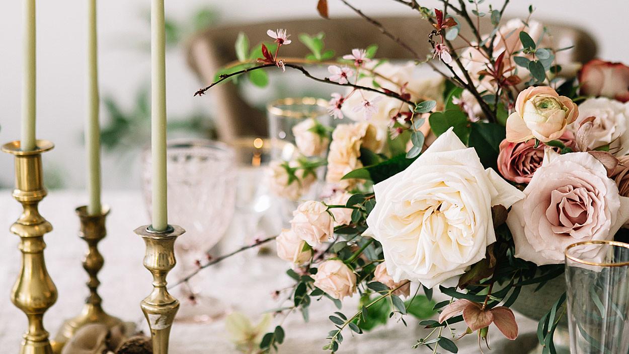 The 5 Most Romantic Wedding Flowers