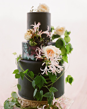 24 Delicious Wedding Cake Alternatives   Martha Stewart Weddings 21 Beautiful Black Wedding Cakes for the Nontraditional Couple