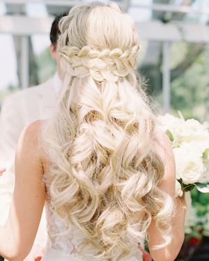 28 half up half down wedding hairstyles we love