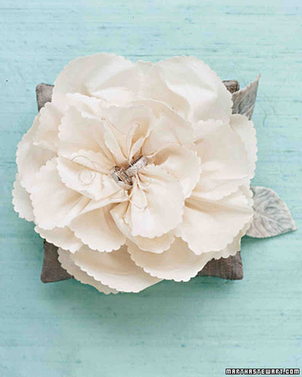 How to Make Paper and Fabric Flowers for Your Wedding   Martha     How to Make Paper and Fabric Flowers for Your Wedding   Martha Stewart  Weddings