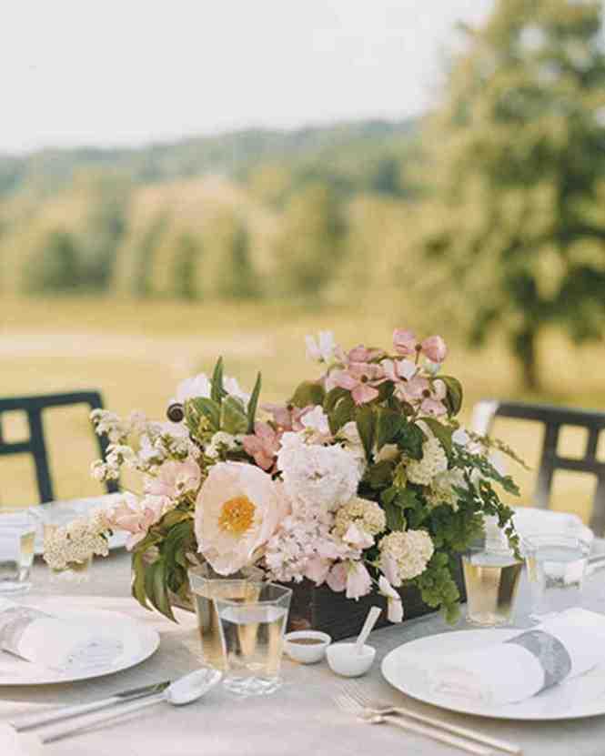 26 Wedding Centerpieces Bursting With Fruits And Vegetables Martha Stewart Weddings