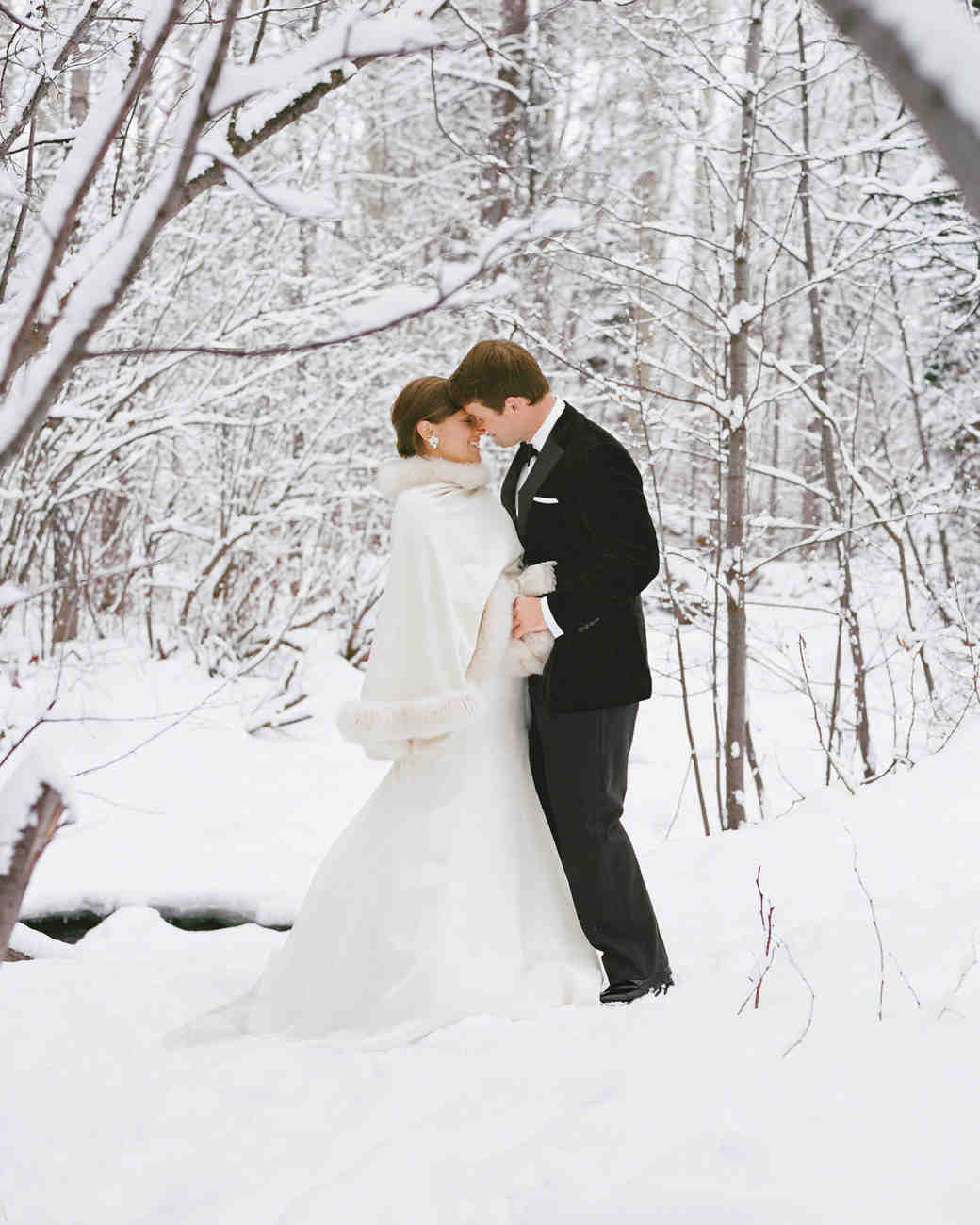 11 Snowy Wedding Photos That Will Make You Want To Get