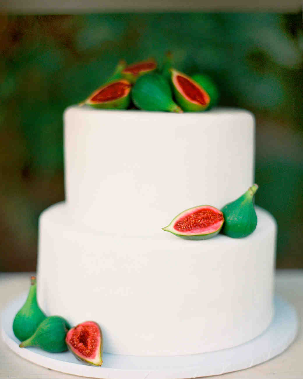 40 Simple Wedding Cakes That Are Gorgeously Understated   Martha     Fig Wedding Cake
