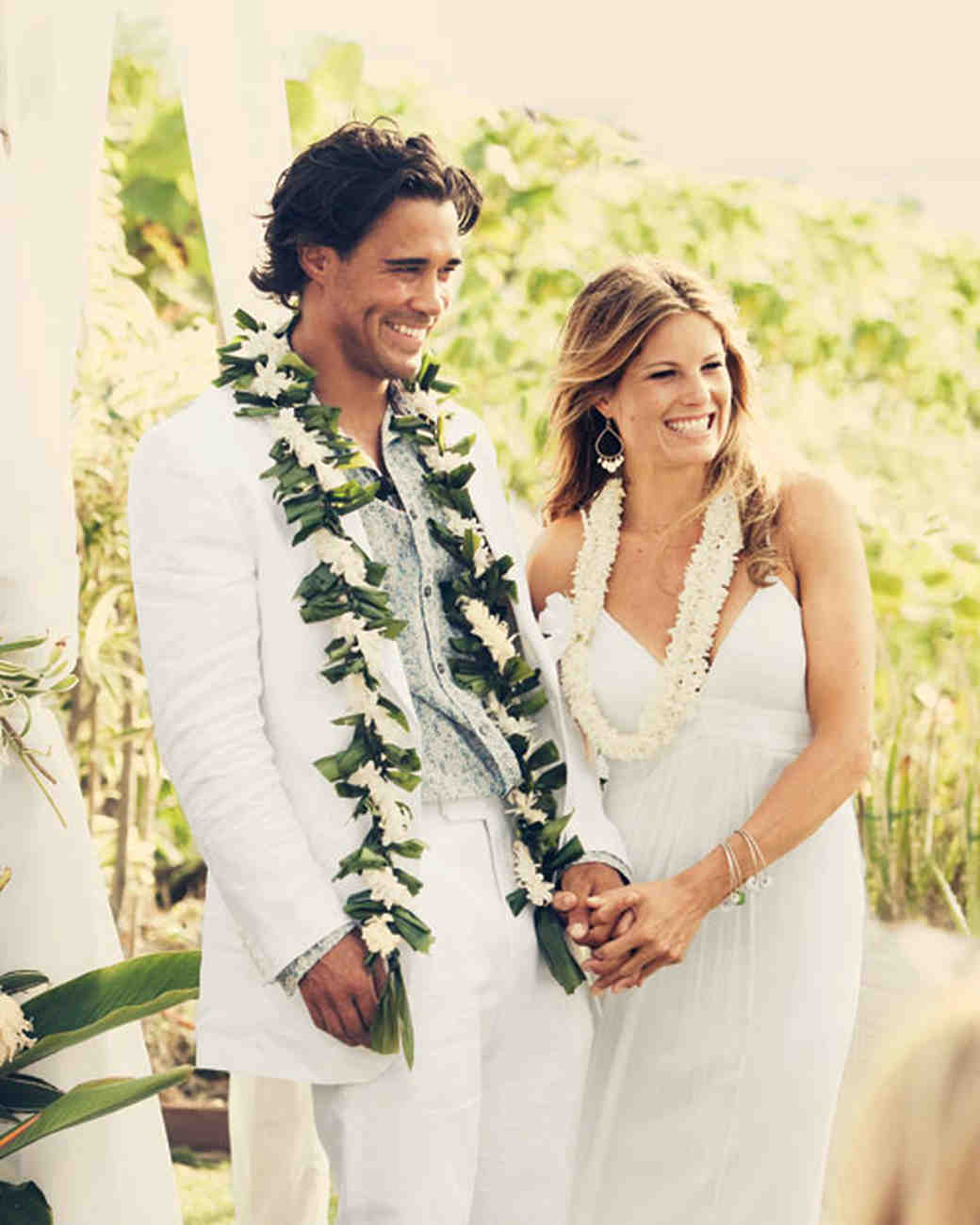 A Traditional Hawaiian Wedding In Maui Martha Stewart