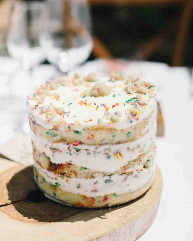 Small Wedding Cake Jpg Can We Get A 6je2mkly