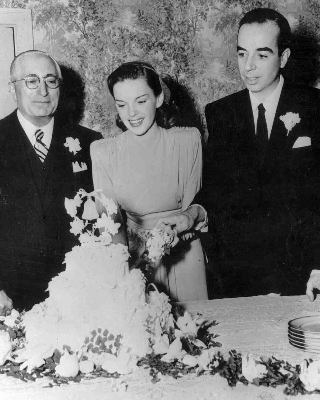 16 Vintage Celebrity Wedding Cakes Youve Probably Never