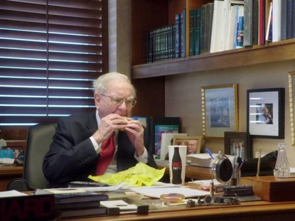 朝食は毎日マクドナルド、世界一リッチなウォーレン・バフェットの毎日   BUSINESS INSIDER JAPAN