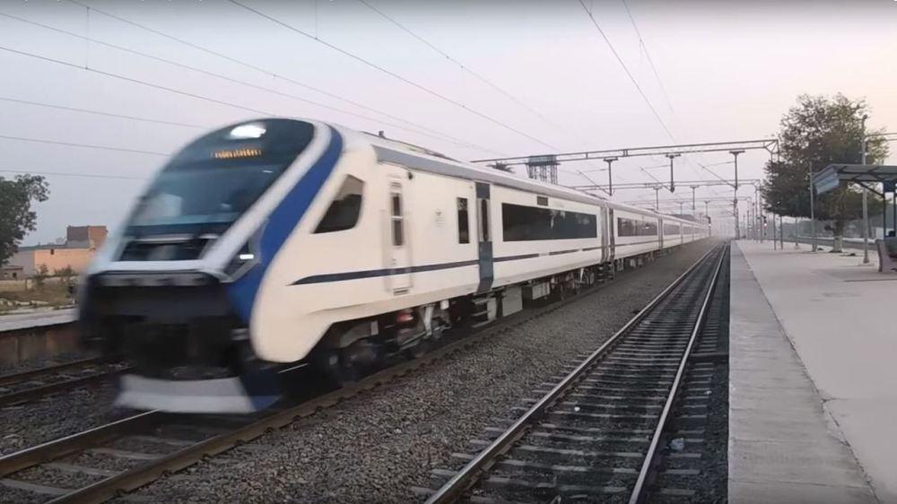 インドの「稲妻スピード」な鉄道の動画が倍速加工していたとバレる→動画を撮ったインド人鉄オタのコメントがイケメンすぎる