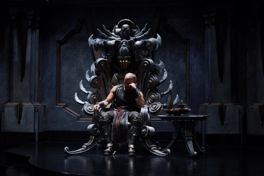 https://i1.wp.com/assets.moviefanatic.com/photos/xlarge_l/riddick-throne-still_5.jpg