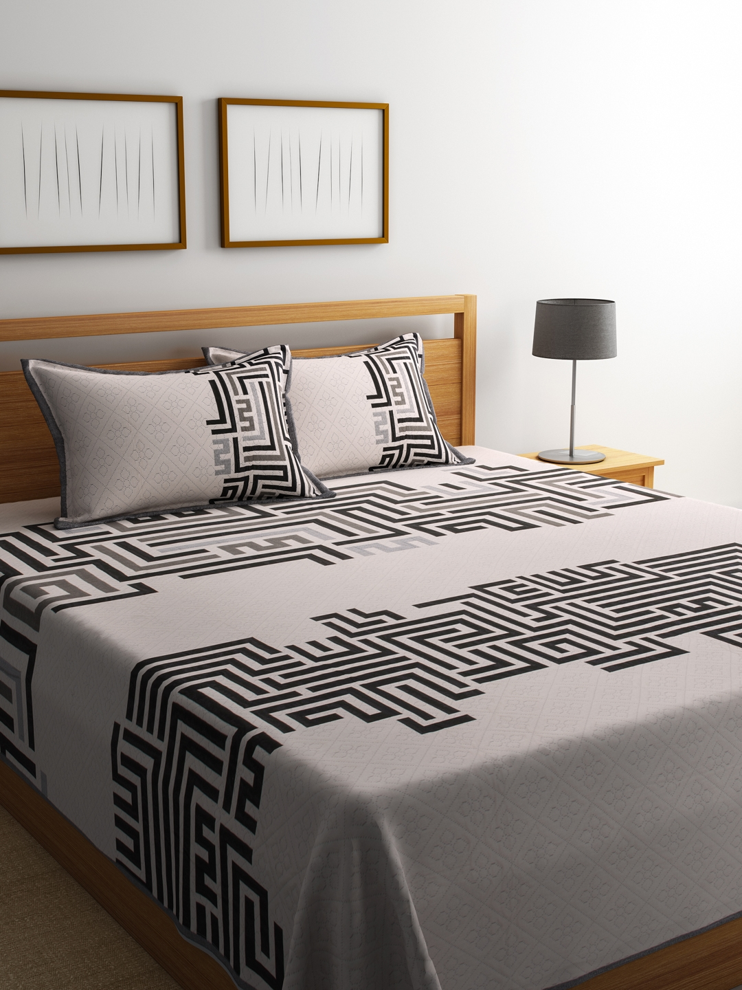 romee black off white polycotton woven design double bed cover with 2 pillow covers
