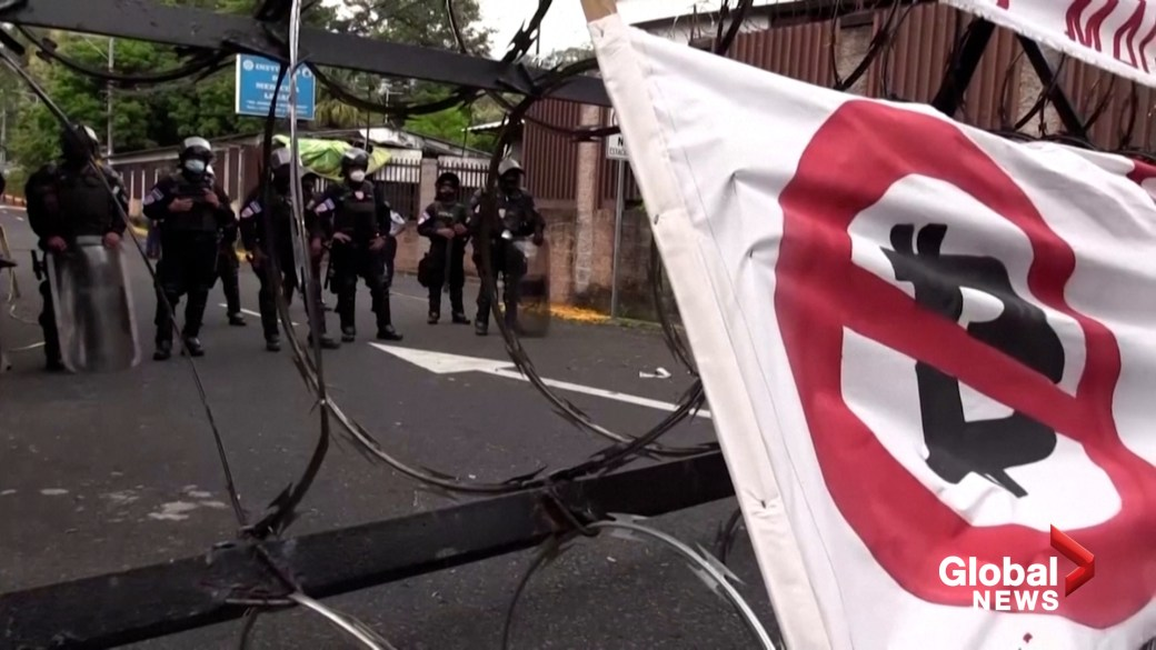 Click to play video: 'Protesters in El Salvador march against adoption of bitcoin as legal tender'