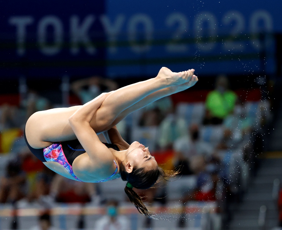 Nur Dhabitah Sabri of Malaysia competes during the Women's 3m Springboard Preliminary round of the Tokyo 2020 Olympic Games Diving events at the Ariake Gymnastics Centre in Tokyo, Japan, 30 July 2021. - EPA/HOW HWEE YOUNG