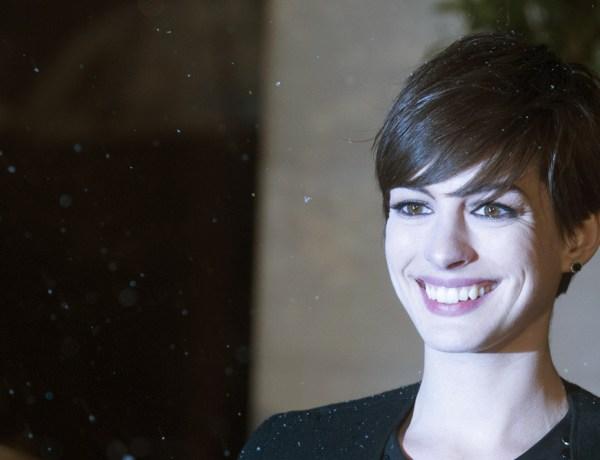 Anne Hathaway : En larmes à cause de son poids !