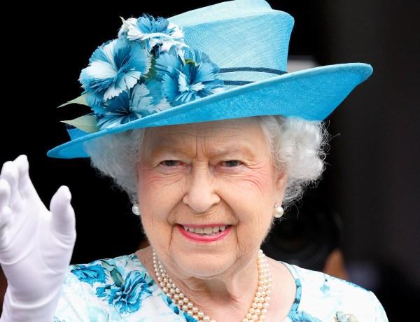 «Je suis toujours en vie !», plaisante la reine Elizabeth II suite au Brexit