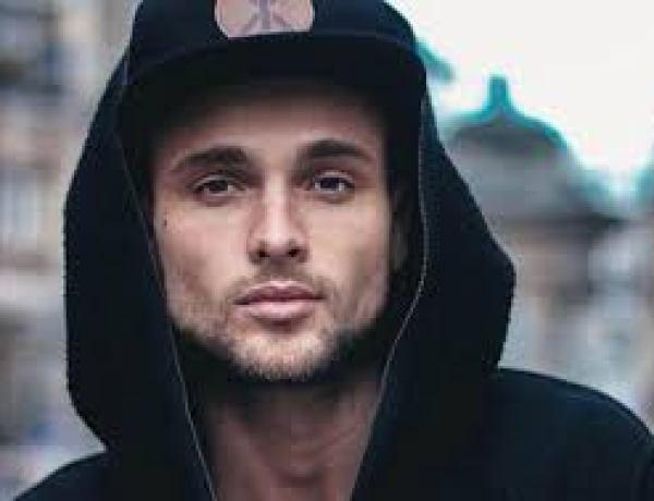 Photo ! Bastien Grimal (Secret Story 10) pose complètement nue !