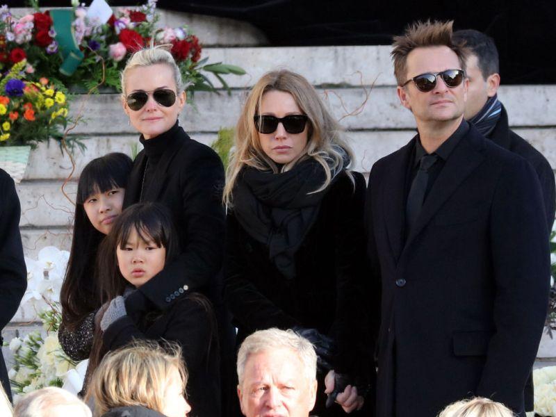 Laeticia Hallyday contre-attaque : «Après qu'ils ont appris que leur père était malade, David a attendu six mois pour venir et Laura quatre mois»