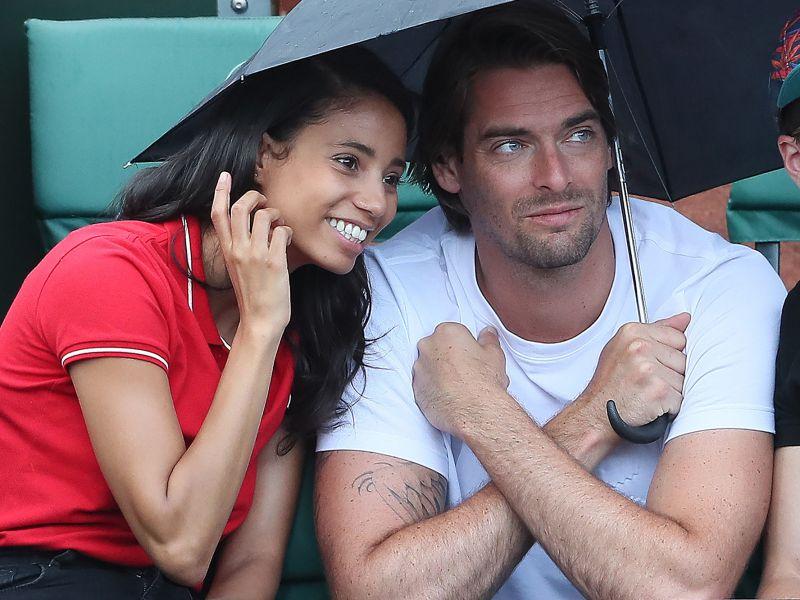 Camille Lacourt et Hajiba Fahmy très complices: Le couple de «Danse avec les stars» se retrouve à Roland-Garros