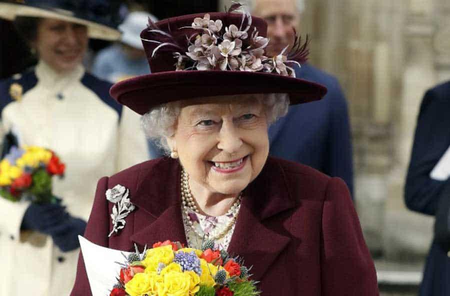 Meghan Markle et le prince Harry gâtés par la Reine Elizabeth II  Son beau  cadeau