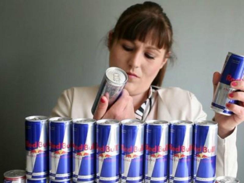 Avant/après : Elle boit du Red Bull tous les jours pendant 4 ans, le résultat est catastrophique