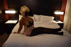 Scarlett Buxom Blonde, 216-508-6006
