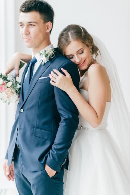 Студийная свадебная фотосессия. Простые схемы позирования