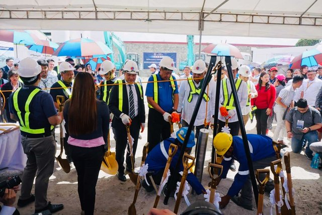 GROUNDBREAKING. Philippine and Japanese officials at the groundbreaking ceremony for the Metro Manila Subway on February 27, 2019. Photo from the Department of Transportation