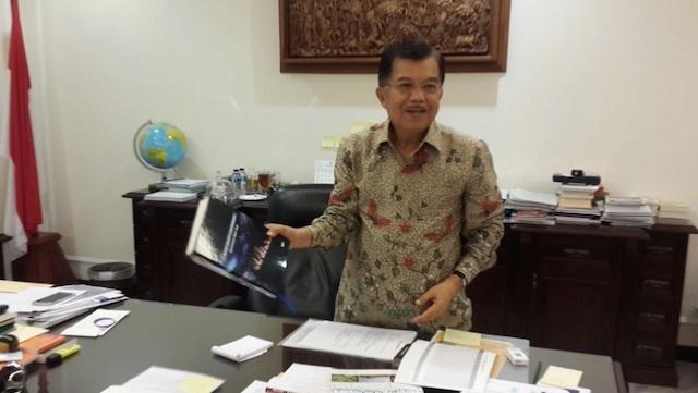 SALAHKAN ANGIN. Wakil Presiden Jusuf Kalla meminta warga kawasan Asia Tenggara tidak menyalahkan Indonesia atas asap yang mencemari udara mereka, tapi angin. Foto oleh Rappler