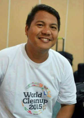 ADVOCATE. Dann Diez pushes for a cleaner Philippines