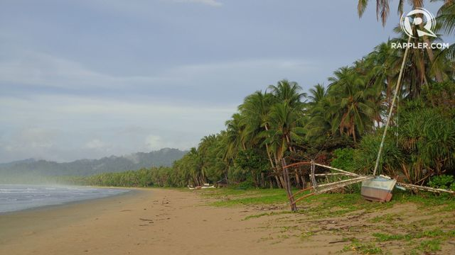SAN VICENTE'S LONG BEACH. For guaranteed quiet beach time, walk along San Vicente's stretch. Photo by Joshua Berida